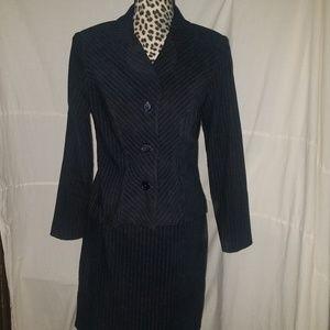 Dawn Joy size 7/8 skirt suit